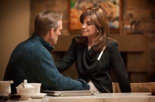 Sue Ellen (Linda Gray) lets Gary (Ted Shackelford) go.
