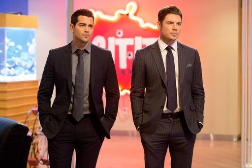 Can Christopher and John Ross work together against Nicolas and the cartel?